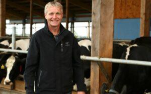 Landwirt Holger Jensen bei der Arbeit.